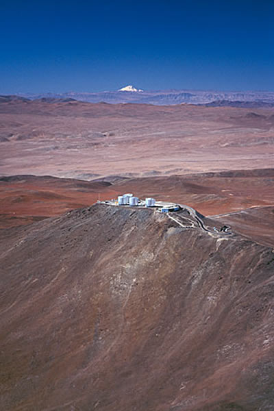 www.sky-watching.co.uk Paranal Observatory and the Volcano Llullaillaco