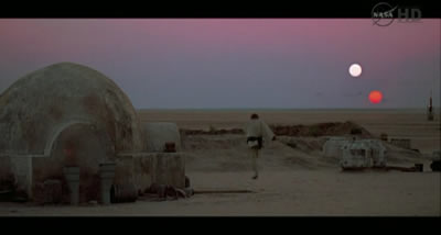 Scene from Star Wars showing the two suns from Tatooine