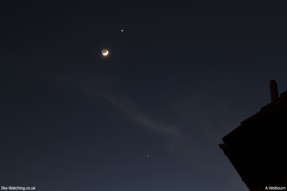 This time at 4 second exposure, f/3.5 ISO100 - More of the Moon is lit by the Sun as it shines next to Venus (Jupiter is below the cloud) from 26th March 2012 (click to enlarge) Credit: Sky-Watching/A.Welbourn