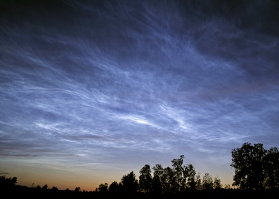 Noctilucent clouds as captured over Sweden (click to enlarge) – Credit: P-M Hedén